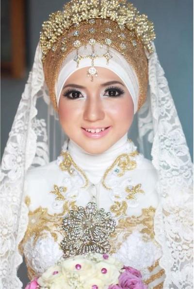Susi Suryaningsih Gaun Pernikahan