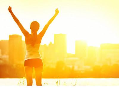 Dậy sớm giúp bạn tận hưởng không khí trong lành mà còn là một cách giảm cân miễn phí