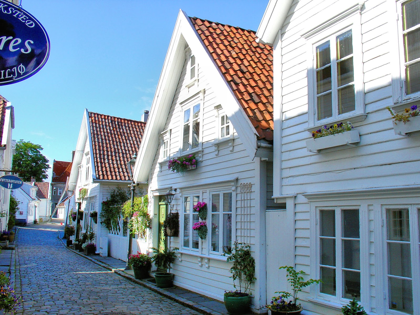 Welcome to Old Stavanger or Gamle Stavanger. These quaint clapboard houses date back to the early 1800s.