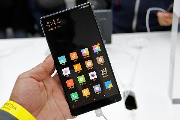 Xiaomi Mi MIX màn hình kích thước lớn