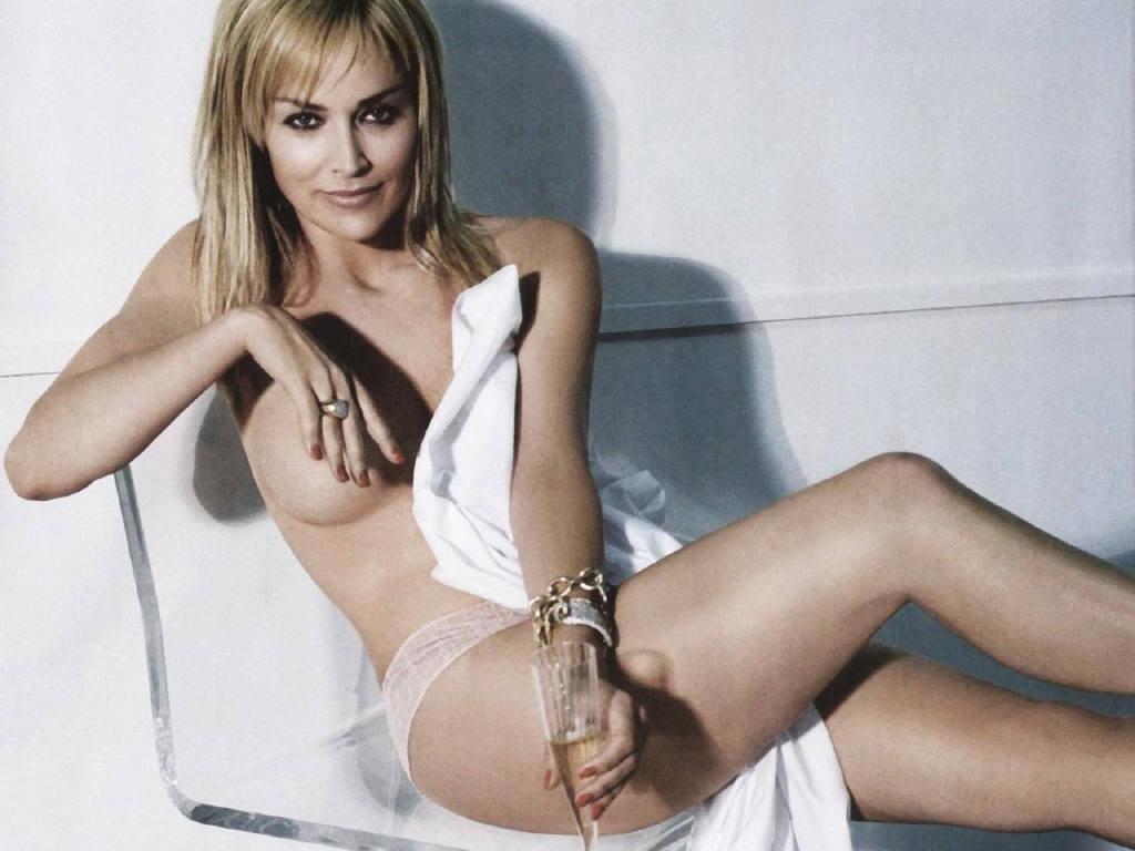 Sharon Stone56 & smokin hot!!   Sharon stone, Sharon