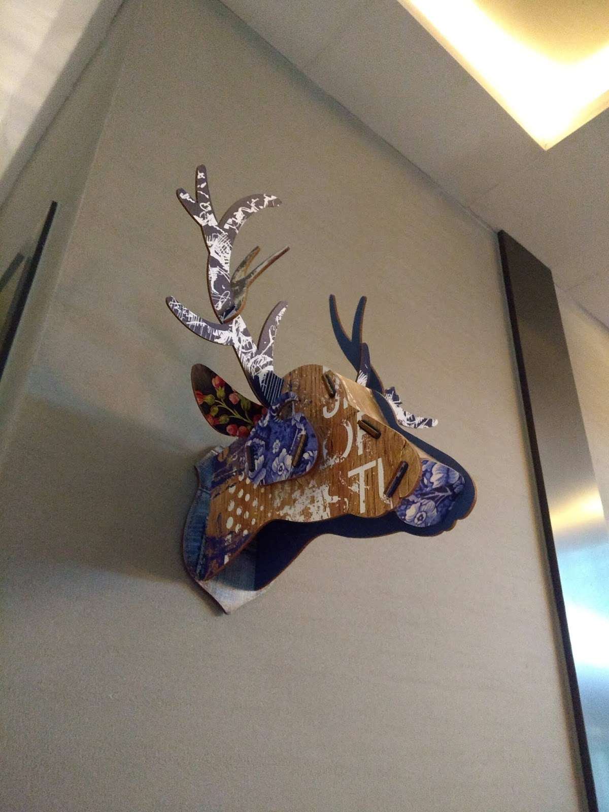 Deer, Wall Decor, Travel, Tour