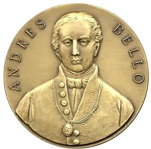 Medalla de Andrés Bello mirando al frente