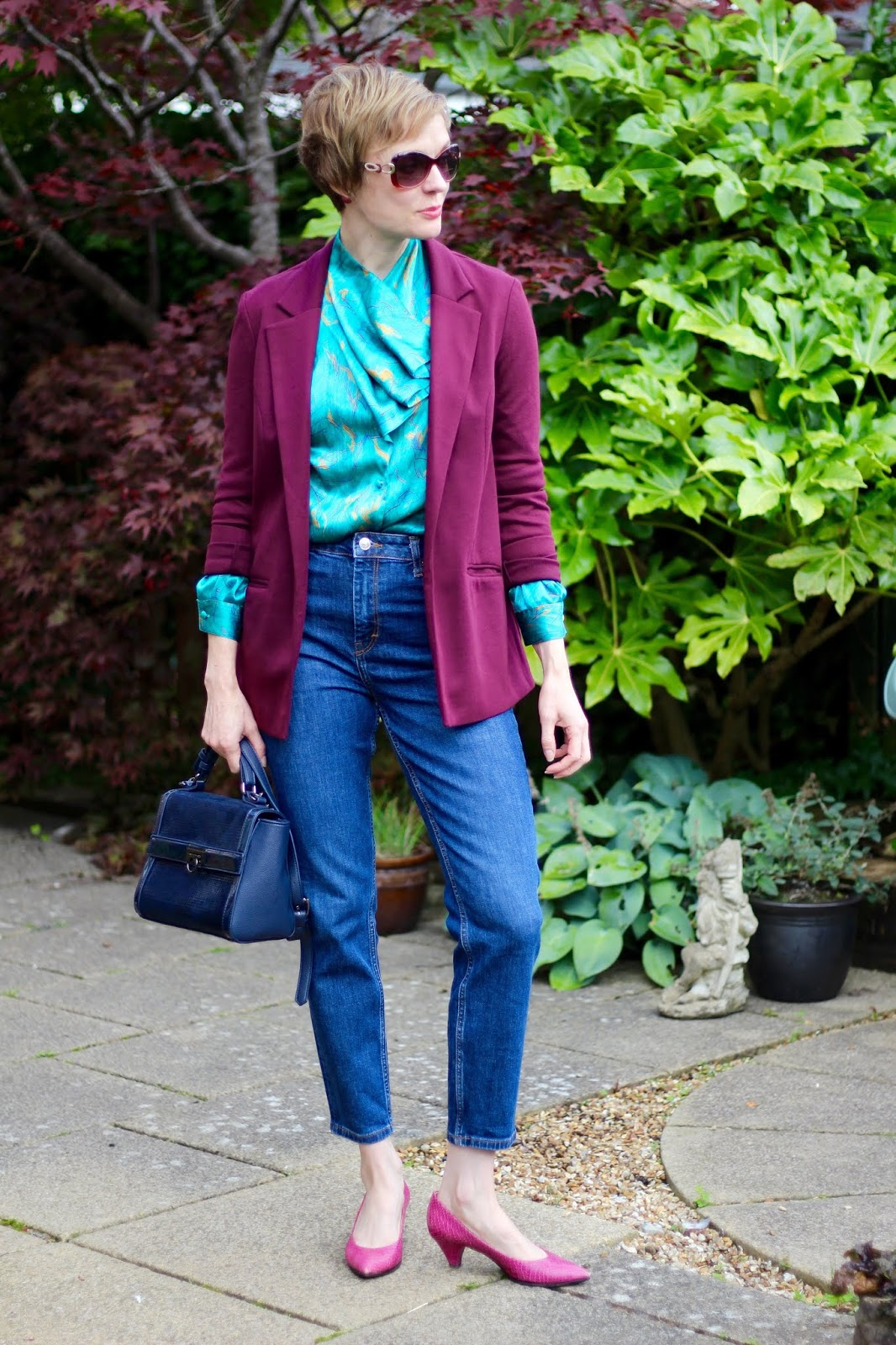 Vintage green blouse, oxblood blazer, topshop orson jeans and pink pumps.