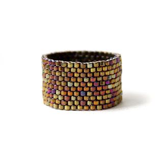 купить Стильное широкое кольцо из бисера. Простое женское кольцо