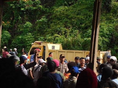 Mendorong Polisi Berdemokrasi Dengan Demonstrasi Damai Di Papua