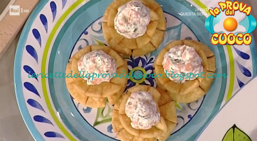 Fiori di carnevale ricetta Shoda da Prova del Cuoco