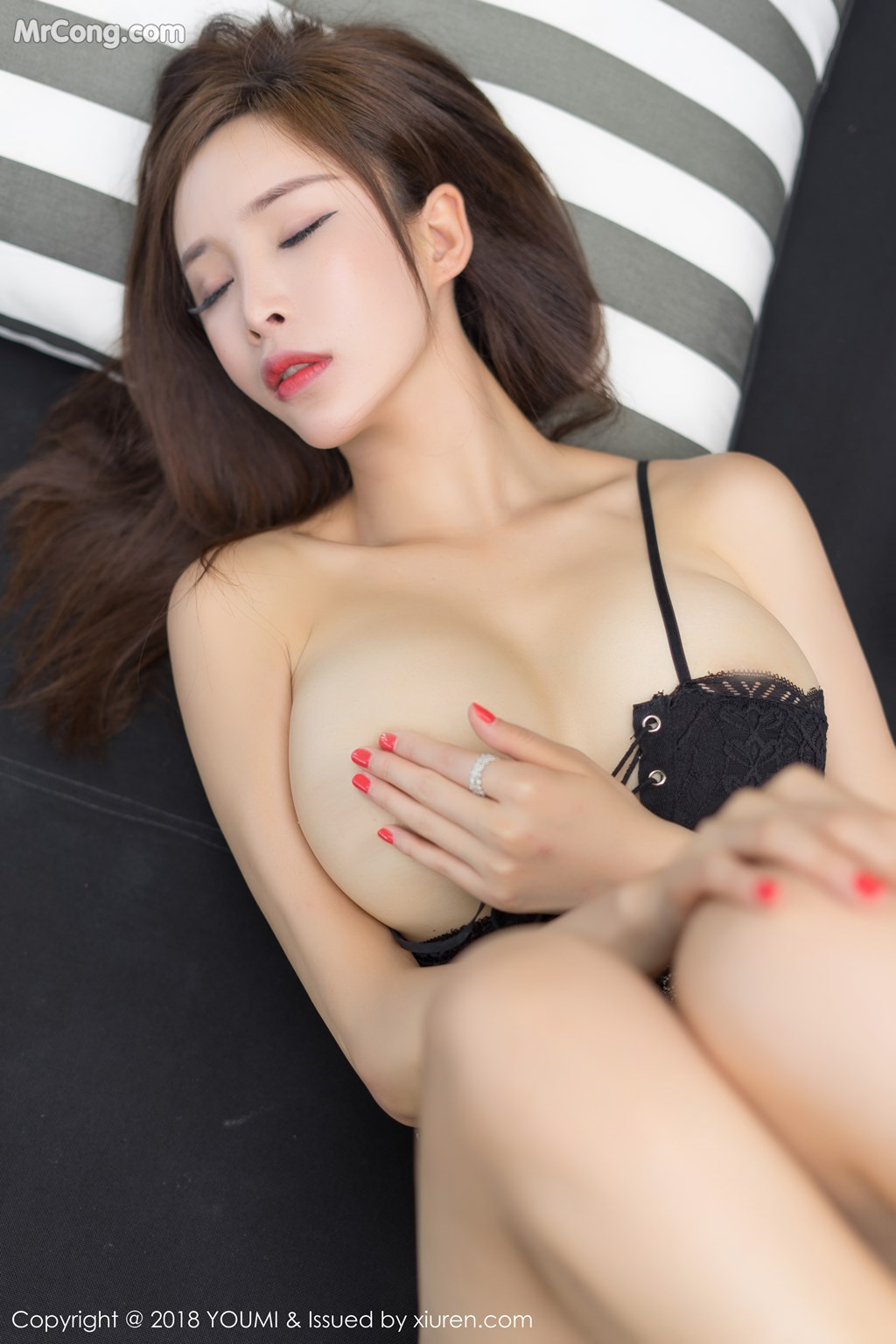Image YouMi-Vol.213-Tu-Fei-Yuan-Ai-Cuo-Qiong-MrCong.com-003 in post YouMi Vol.213: Người mẫu 奶瓶土肥圆 (50 ảnh)