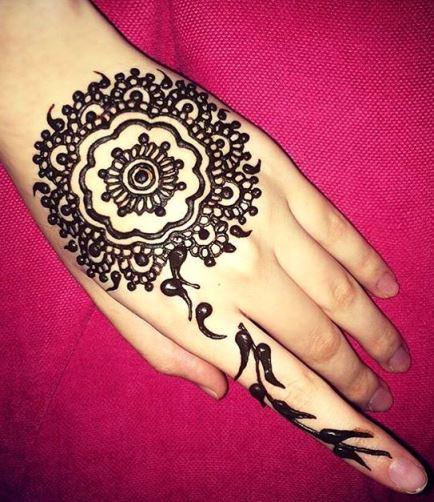 Gambar Henna Tangan 9