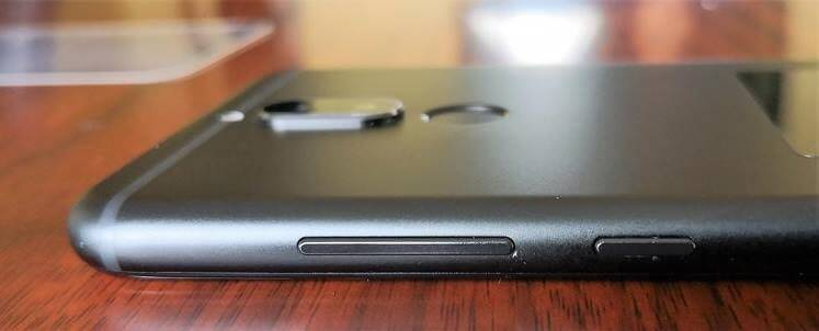 Huawei Nova 2i Right Side