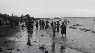 Cibendo Menjadi Pantai Primadona Wisatawan Lokal Karawang