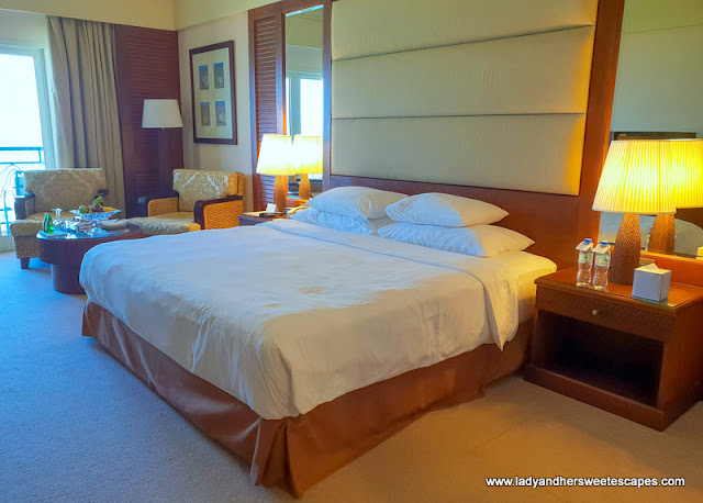 Danat Jebel Dhanna Resort room