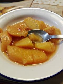 Membrillo cocido con miel de romero y canela