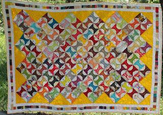 http://patchworkjitka.blogspot.cz/2015/09/spulky-spools-quilt.html