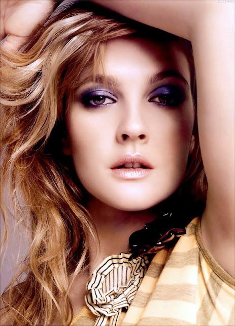 World Artist Center Drew Barrymore Is Famous Actress