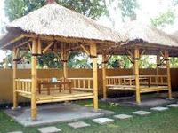 tukang saung bambu di ciganjur