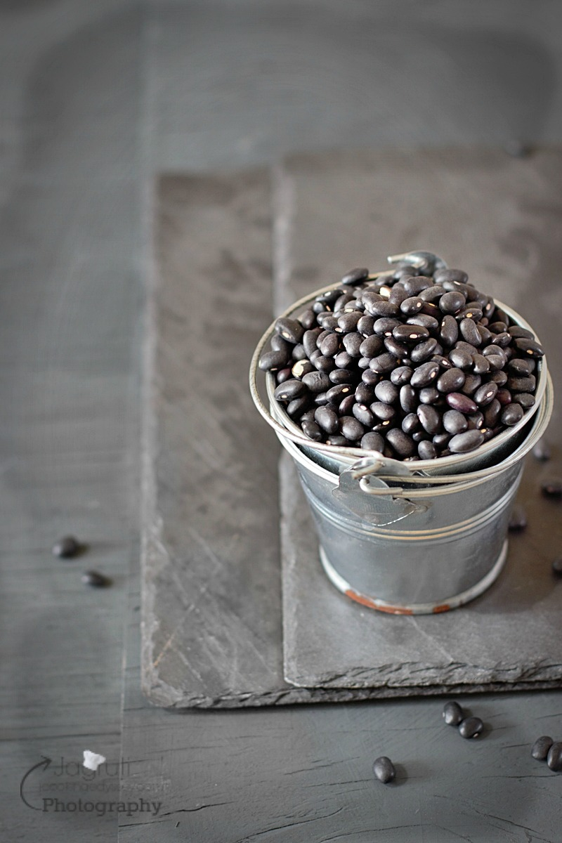 Image of dried black beans