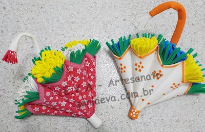 Arranjo guarda chuva com flores em EVA