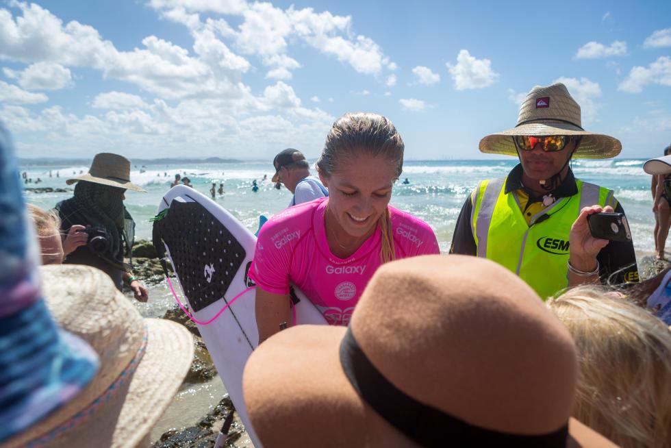 8 Stephanie Gilmore Roxy Pro Gold Coast fotos WSL Kirstin Scholtz