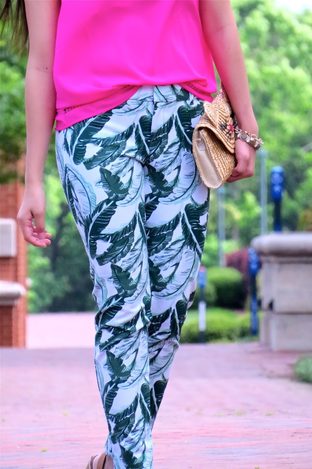 How_to_style_palm_printed_pants