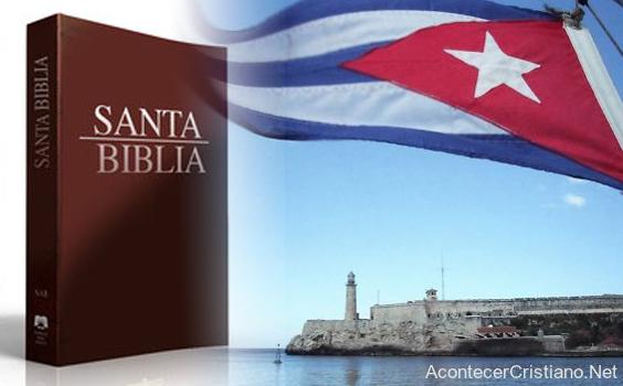 Recaudan dinero para comprar Biblias para Cuba