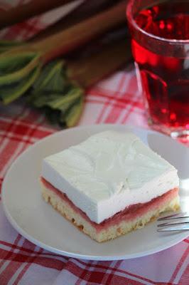 Ciasto z rabarbarem i pianką