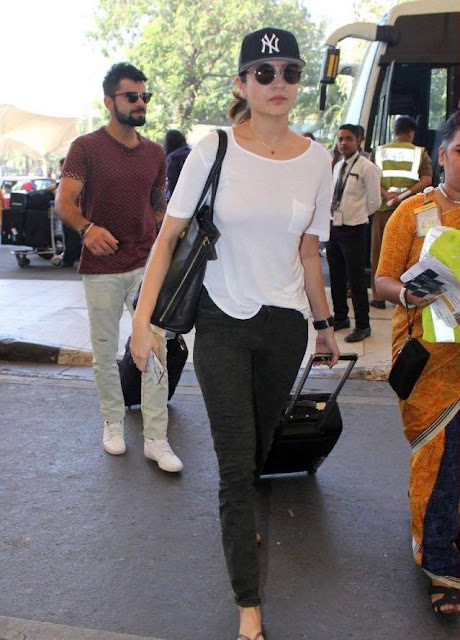 Virat Kohli - Anushka Sharma Together Photo Pics