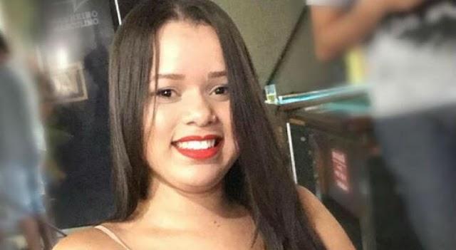 Após 22 dias lutando pela vida, faleceu no HR a jovem Mayara Estéfanny Araújo, de 19 anos. Ela foi atacada por ácido sulfúrico pelo ex-companheiro e pelo amigo dele no dia 4 de julho, no Bairro Nova Descoberta, no Recife, e se encontrava internada desde então. O sepultamento acontece nesta sexta-feira, aqui em Limoeiro.  A delegada responsável pelo caso, Bruna Falcão, entendeu que o ex-marido teve a intenção de matar a jovem contando com a ajuda do amigo, e indiciou os dois por feminicídio, por meio cruel e emboscada.