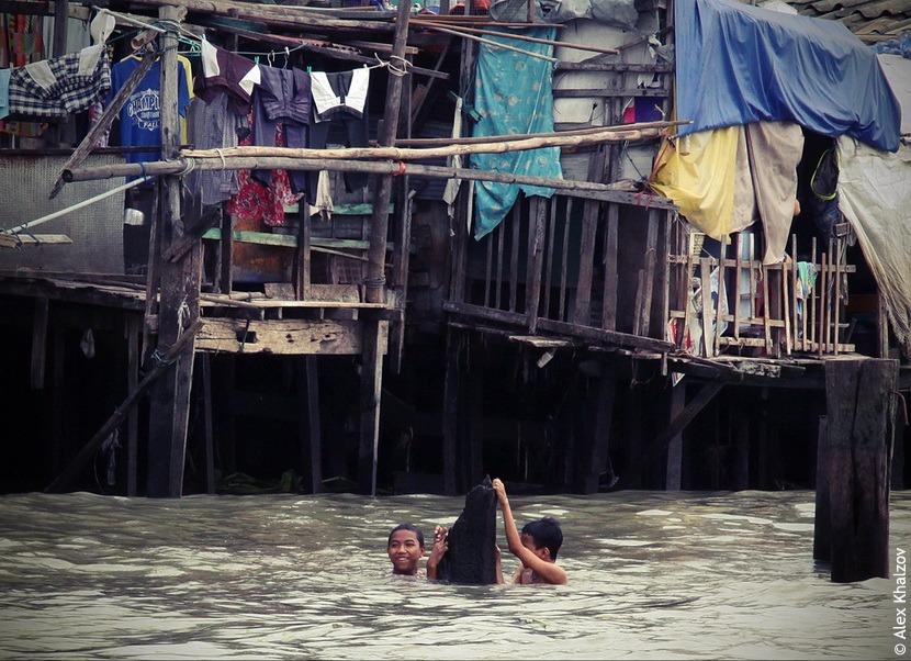 Бангкок: жители, река Чаупхрая и вид с небоскрёба