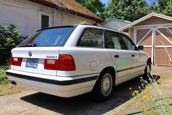 Daily Turismo: Sauber Seifenstück: 1995 BMW 525iT (E34 Wagon)