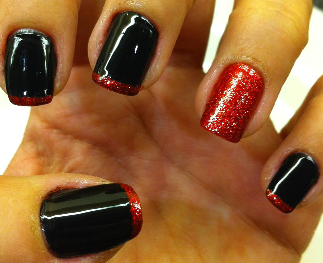 Designs Art Nail Polish Metallic Red And Black Colour Nails Design No26
