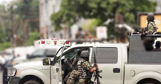 showing 2nd image of Nuevo Laredo Al Rojo Vivo Tamaulipas Pareja de internautas amanece colgada del puente con ...
