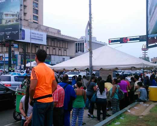 Arrancó con todo la recolección de firmas en Maracaibo