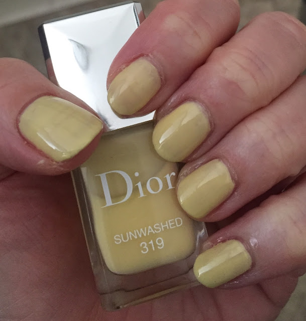 Dior, Dior Vernis Gel Shine and Long Wear Nail Colour, Dior #319 Sunwashed, nails, nail polish, nail lacquer, nail varnish, manicure, #ManiMonday