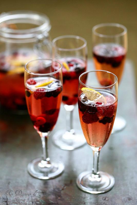 cocktail champagne fruits rouges. Black Bedroom Furniture Sets. Home Design Ideas