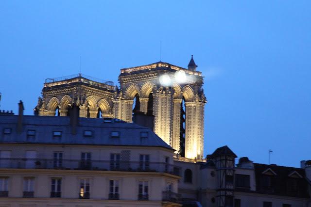 Diário de Viagem: Paris Iluminada e Bateaux Mouches