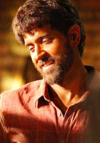 Super 30 (2019) Hindi NEW V2 400MB Pre-DVDRip 480p No Watarmark