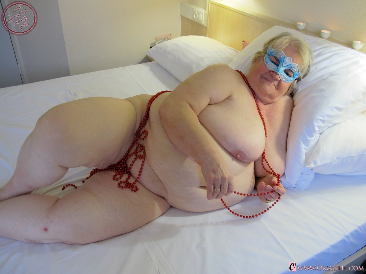 Hot Granny Porn Pictures And Vids - Free Granny And Mature -3865