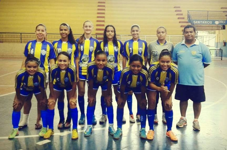 0bd6b7c42e O MONTES Claros Tênis Clube (MCTC) repetiu a dose e conquistou pelo segundo  ano consecutivo o Campeonato Mineiro de Futsal Feminino da categoria Sub-20.