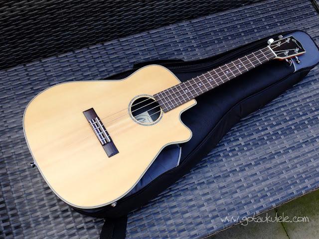 Clearwater roundback baritone ukulele