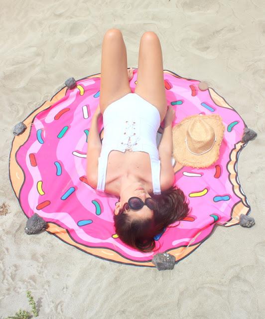Rosegal_:_Toalla_Donut_para_la_playa_y_Sombrero_Cowboy_The_Pink_Graff_04