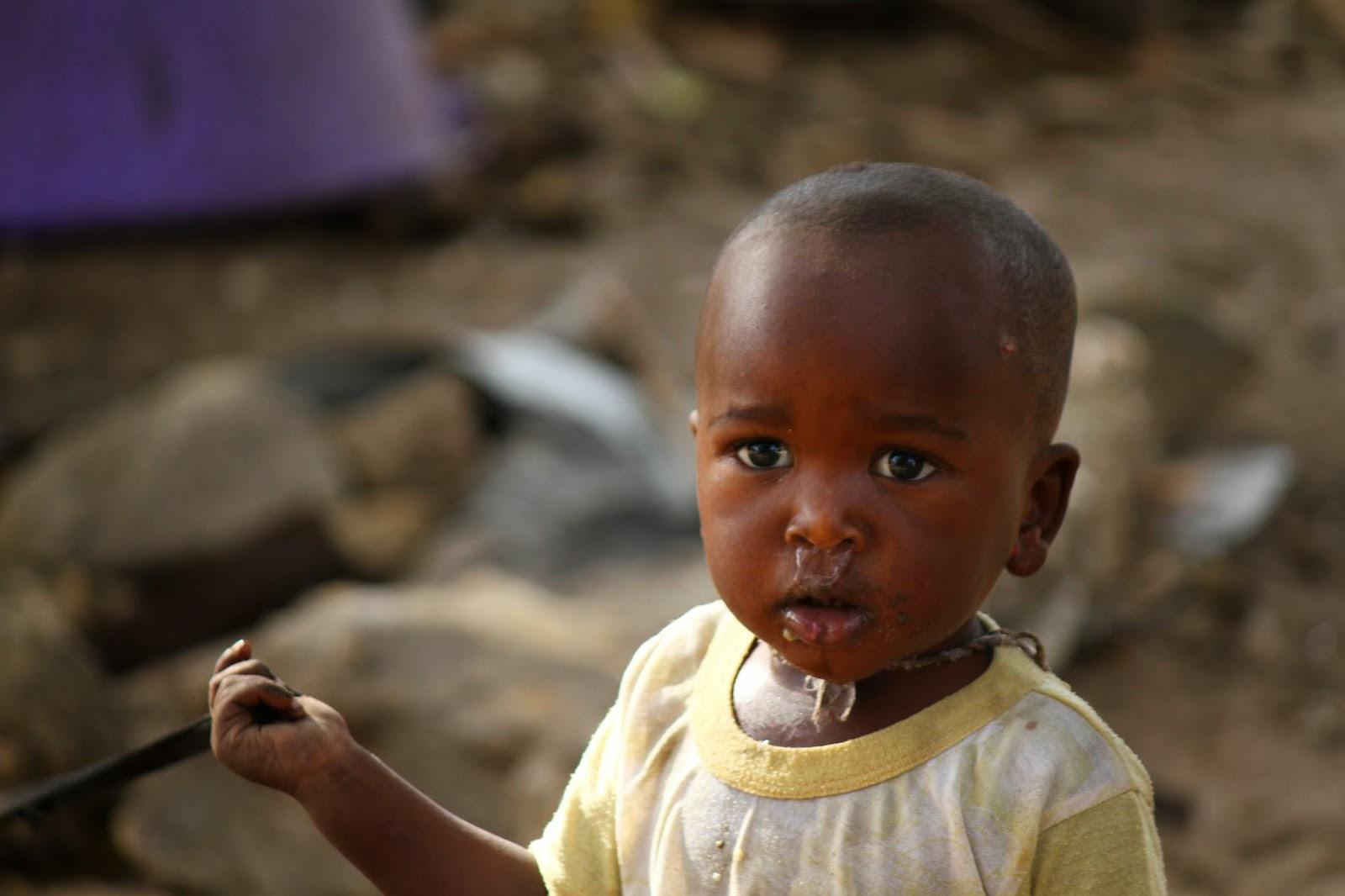 TALIBES, as crianças de rua com um olhar vazio vindo do Senegal