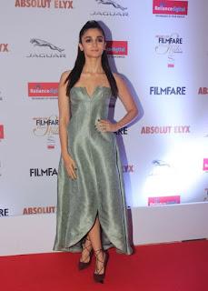 Alia Bhatt Stills At Filmfare Glamour and Style Awards  (13)