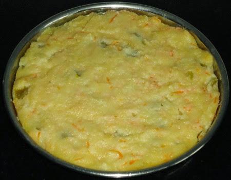 steamed rava-veggie dhokla