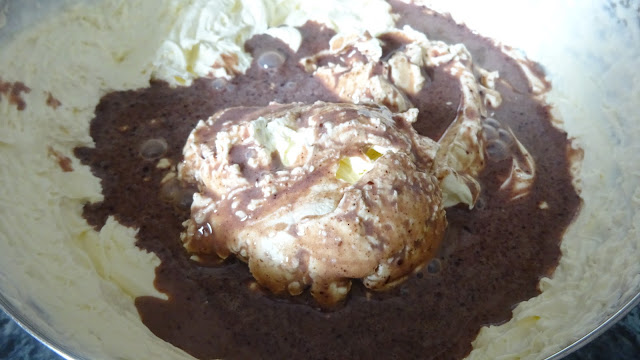 egg-less-no-churn-rocky-road-ice-cream