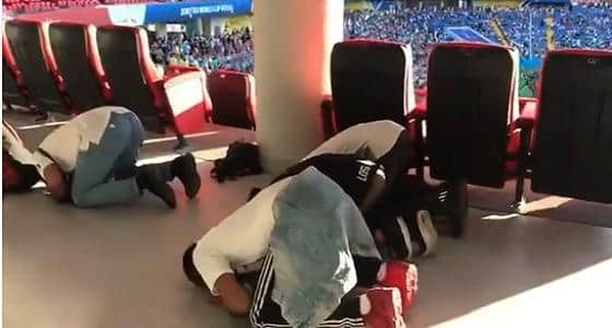 SAUDI FANS DID NOT MISS THEIR SALAH DURING MATCH