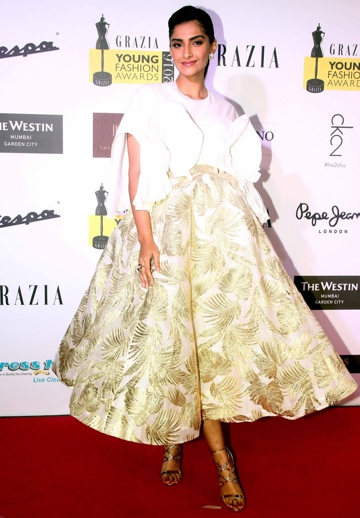 Actress Sonam Kapoor In White Dress At Grazia Young Fashion Awards 2016