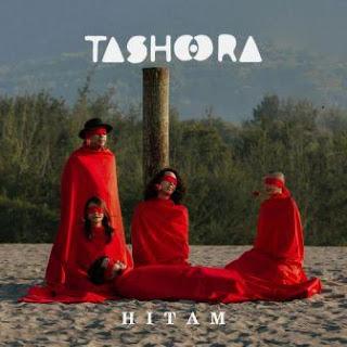 Lagu ini masih berupa single yang didistribusikan oleh label Juni Records exclusively lic Lirik Lagu Tashoora - Hitam