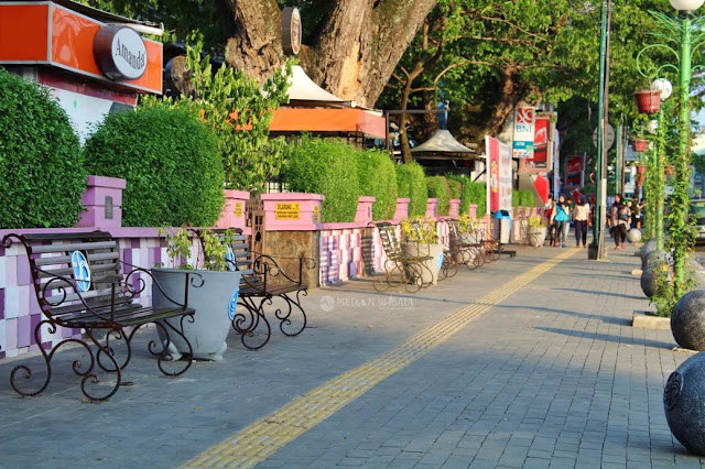 Wajah Baru Pedestrian Merdeka Walk dan Lapangan Merdeka Medan