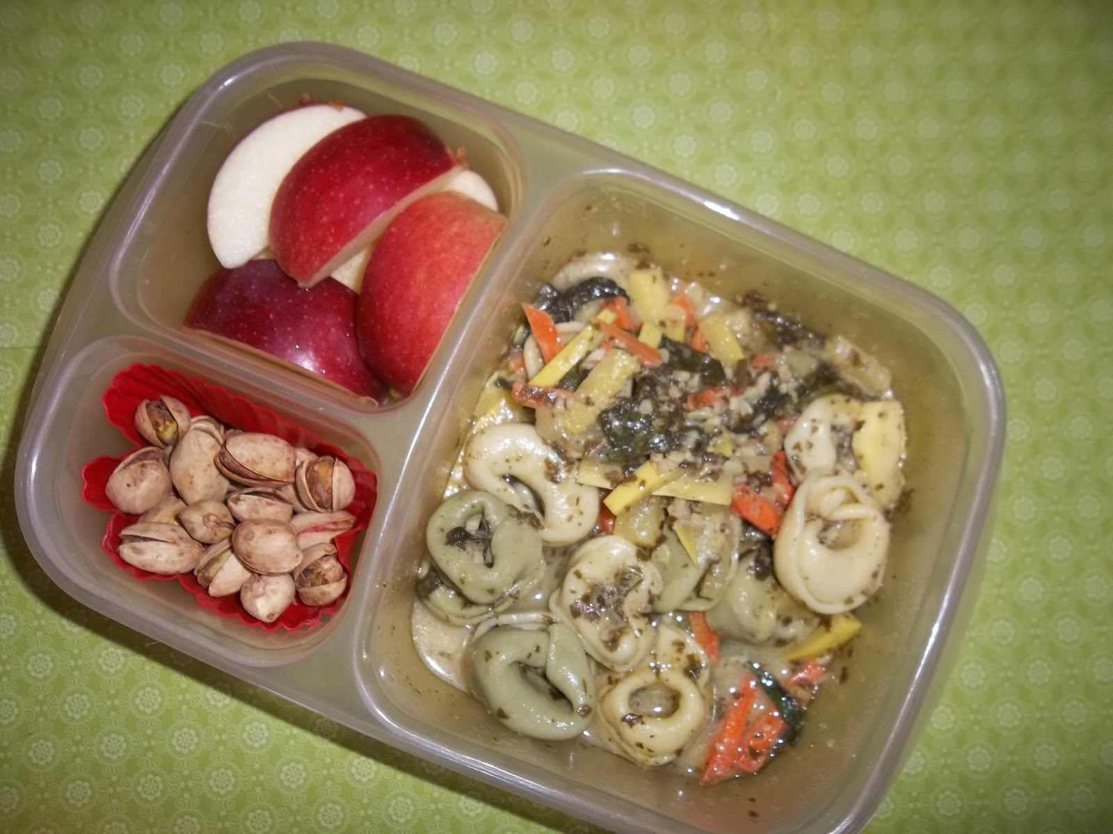 Lunches Fit For A Kid Mommy And Daddy S Lunches 12 18 12